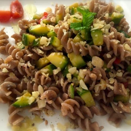 Foto Ricetta Fusilli di grano saraceno con zucchine e mandorle