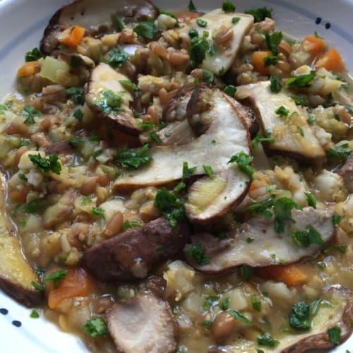 Foto Ricetta Zuppa di cicerchie con funghi porcini