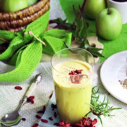 Foto Ricetta Succo al profumo di rosmarino e mela