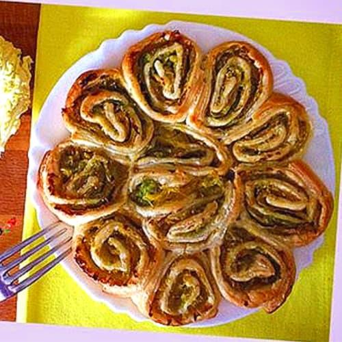Foto Ricetta Girelle di sfoglia con verza e mandorella