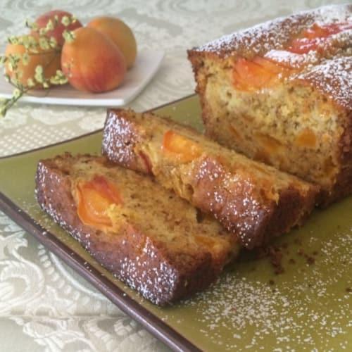 Foto Ricetta Plumcake con albicocche e nocciole