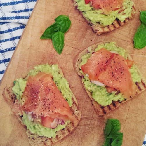 Foto Ricetta Avocado toast con salmone