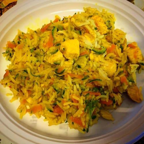 Foto Ricetta Riso basmati con pollo, carote e zucchine alla curcuma