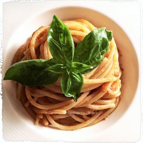 Foto Ricetta Spaghettoni al pesto di pomodori secchi e basilico