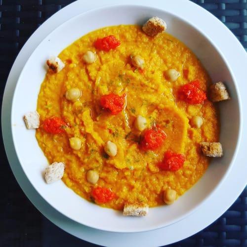 Foto Ricetta Vellutata rustica di carote con lime e crema di peperoni
