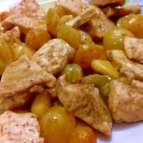 Foto Ricetta Bocconcini di pollo zenzero uva mandorle