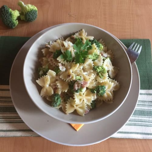 Foto Ricetta Farfalle con broccoli e pancetta
