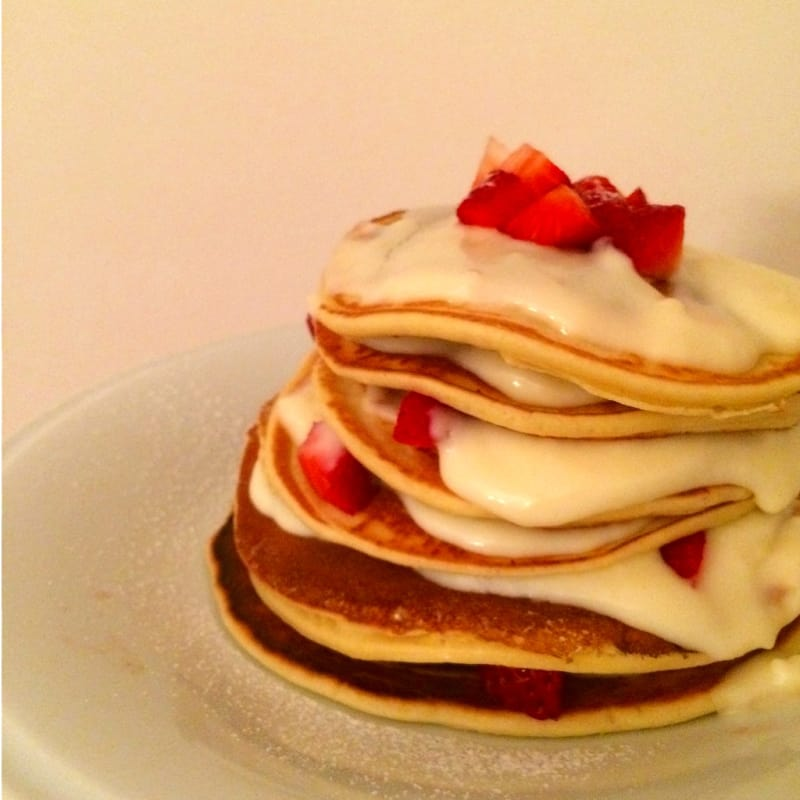 Foto Ricetta Pancake with whipped cream and strawberries relatively cool