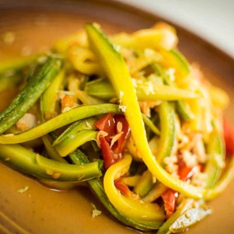 Foto Ricetta Linguine verdi di zucchine con tonno