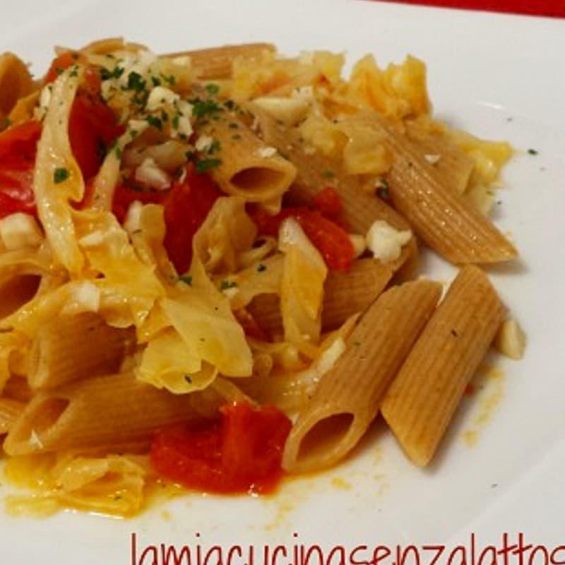 Foto Ricetta Penne verza pomodorini e mandorle