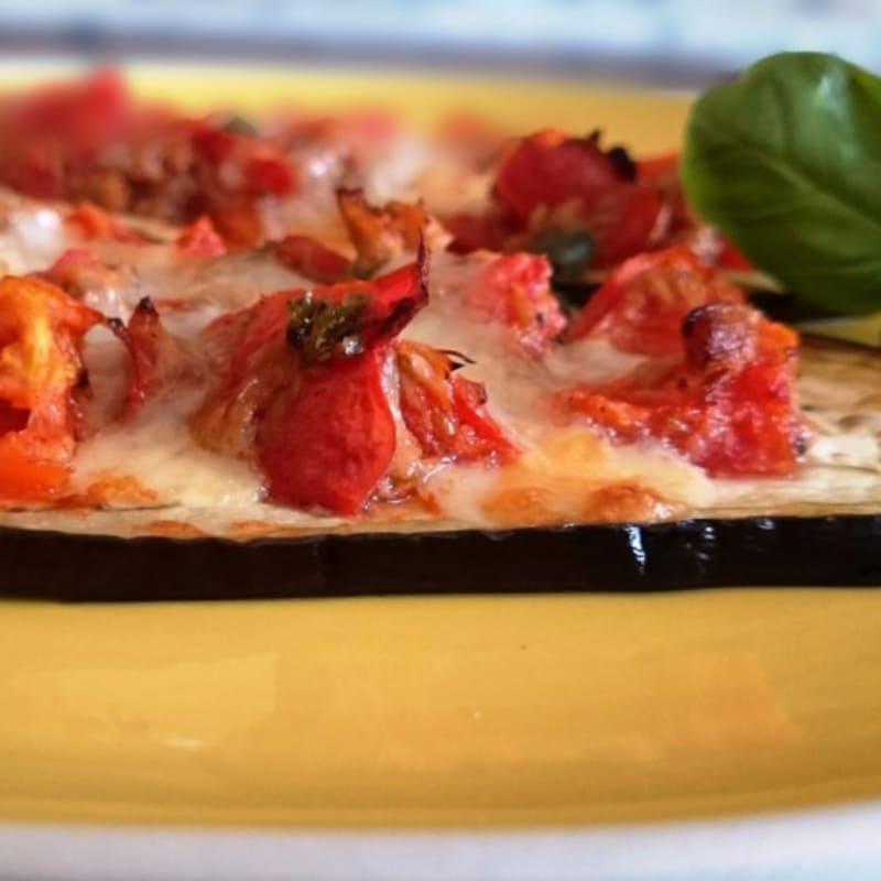 Foto Ricetta Small pizzas baked eggplant