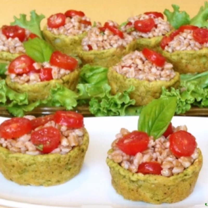 Foto Ricetta Baskets filled with spelled and tomatoes