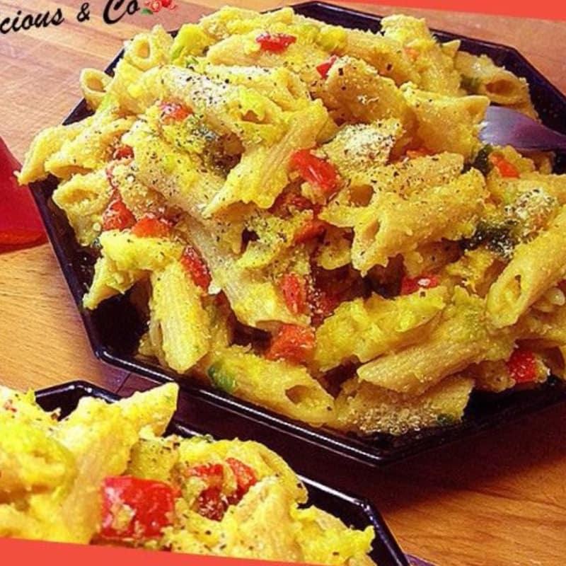 Foto Ricetta Penne con purè di sedano rapa, cavoletti di bruxelles e peperone rosso