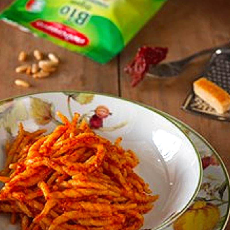 Foto Ricetta Cavatelli al pesto di pomodori secchi e pinoli