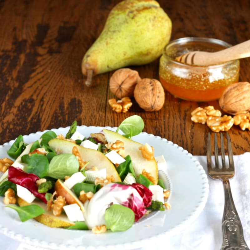 Foto Ricetta pear salad, walnuts and asparagus