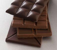 Chocolate amargo reduz risco de ataques cardíacos