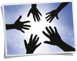 desigualdades sociais mãos solidárias
