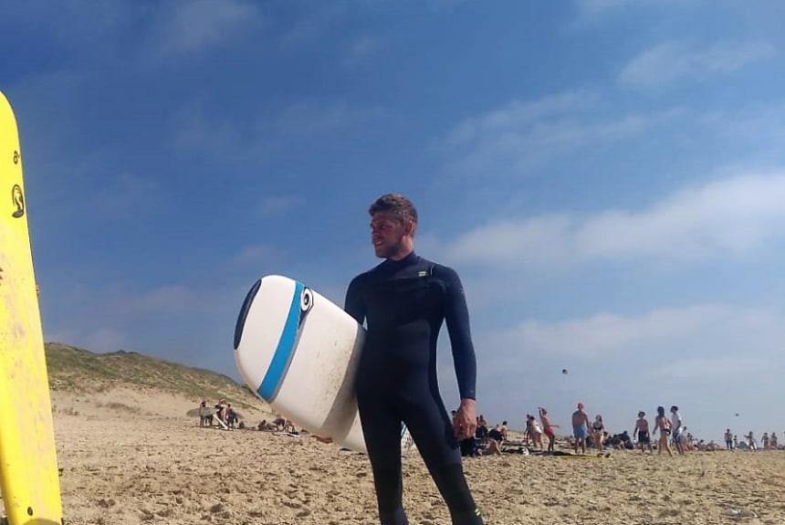 Andreas Niggl beim Surfen