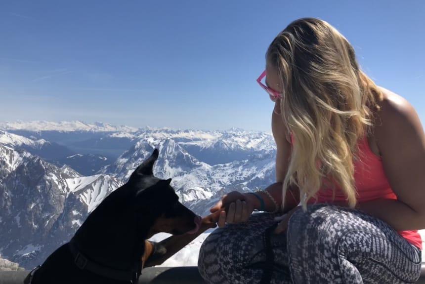 Mit tierischer Begleitung in den Bergen