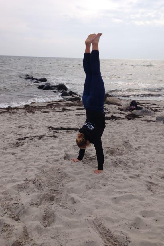 Ronja aktiv am Meer