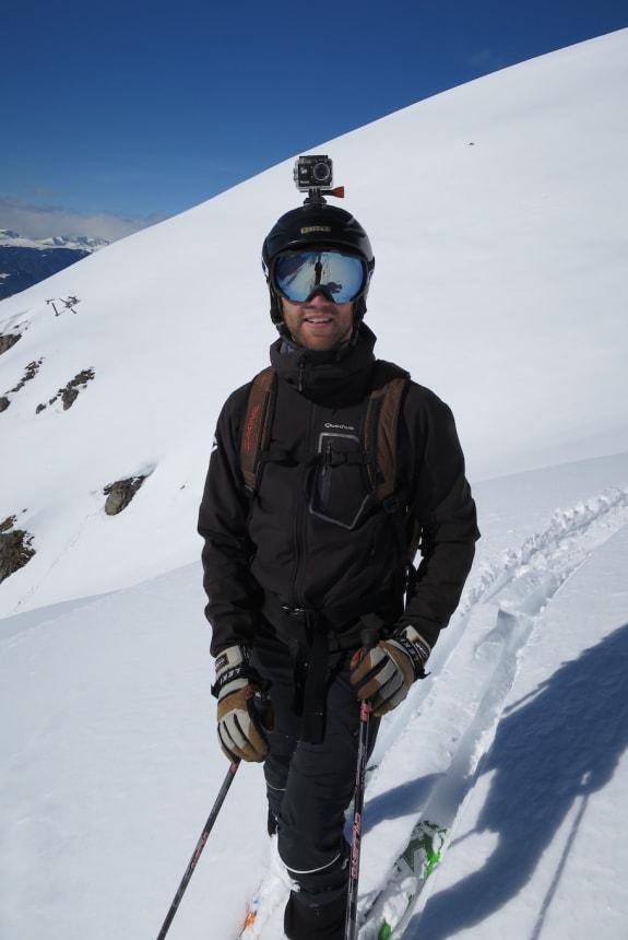 Benedikt beim Skifahren
