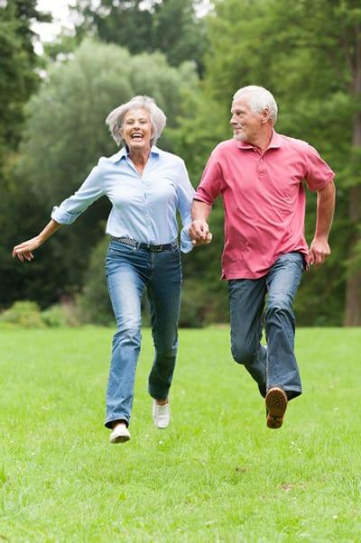 Gesunde Knochen bis ins hohe Alter? Hier ist neben Calcium auch Magnesium wichtig!