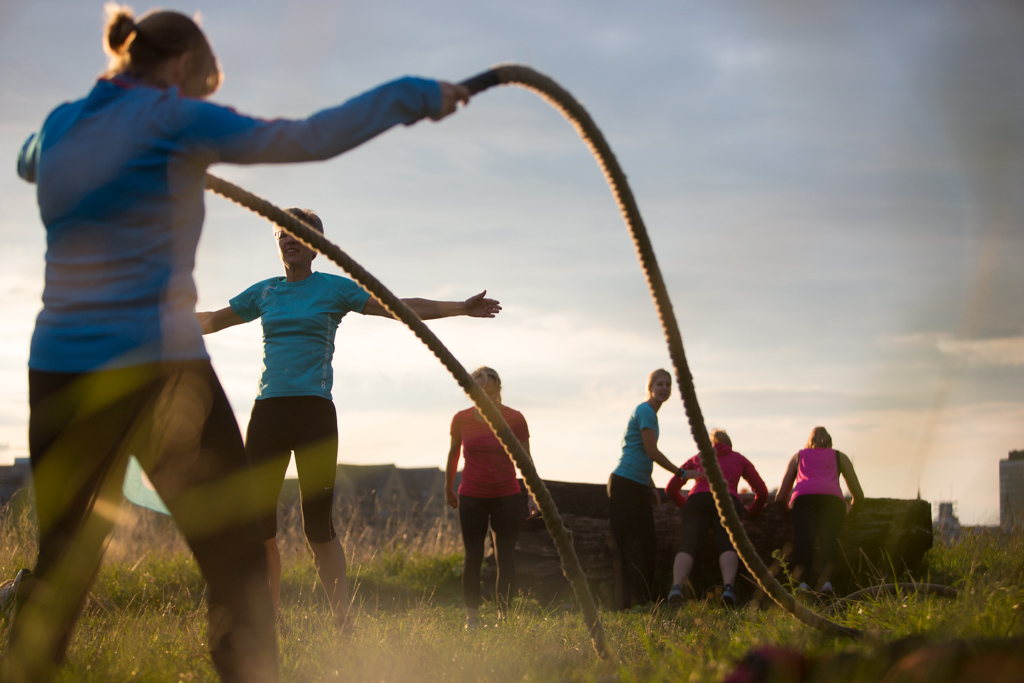 Fitness Bootcamp - Stretching im Outdoor Fitness Programm