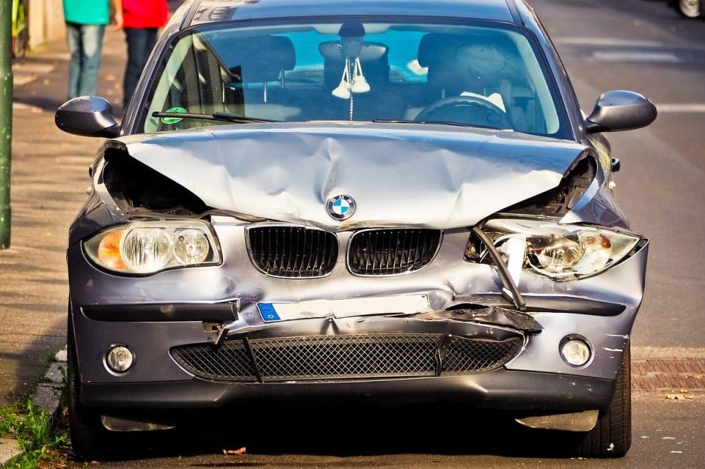 Assurance voiture occasion - voiture accidentée - Auto - 1280x853 - JPG