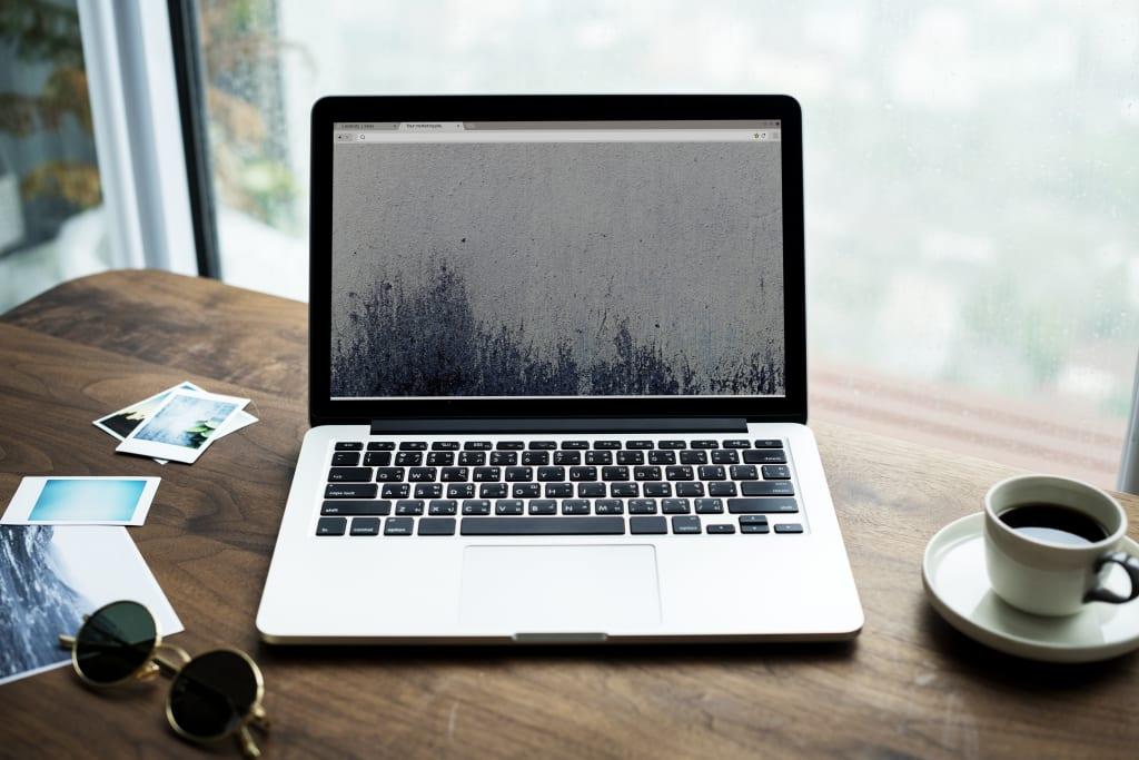 Notes de frais freelance - ordinateur bureau - Multiproduit - 4000x2664 - JPG