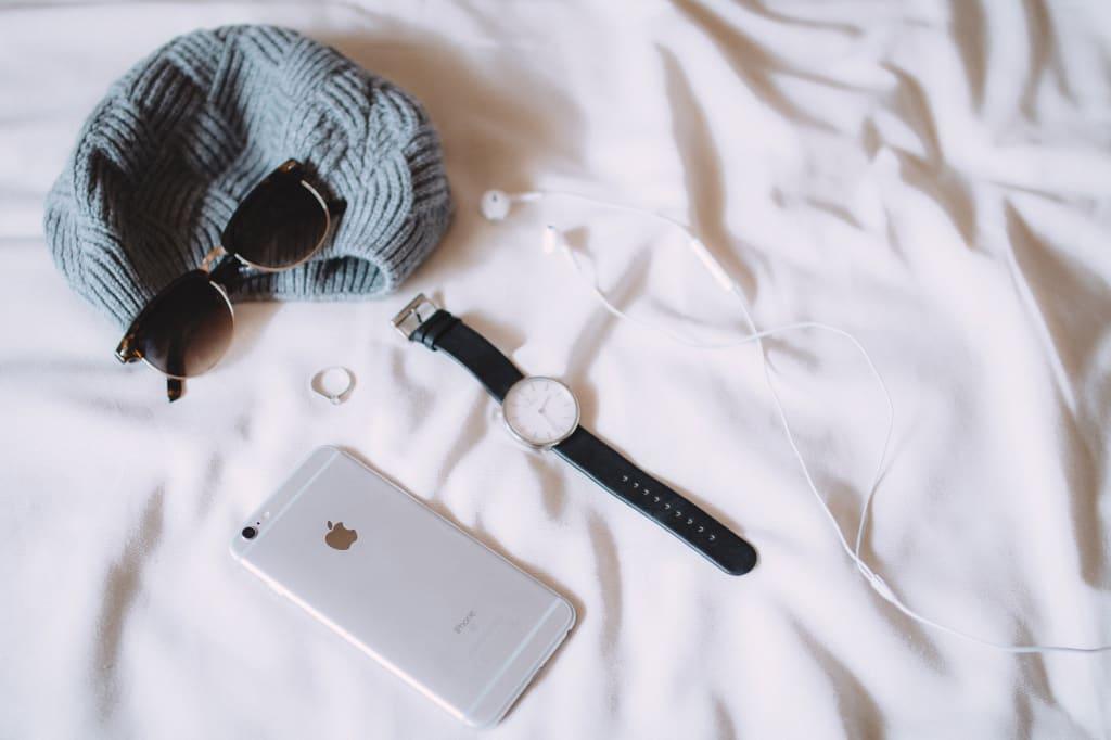 Assurance objets connectés - Montre lunettes téléphone - Multiproduit - 2000x1333 - JPG