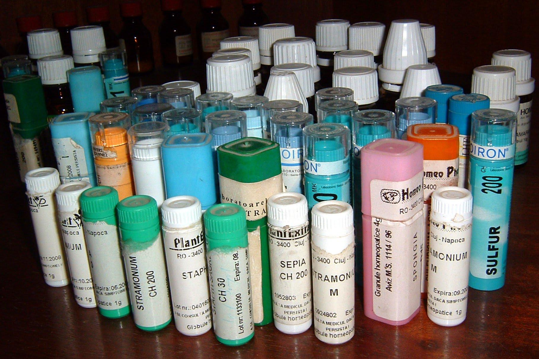 Remboursement homéopathie - flacons homéopathie - Santé - 1818x1212 - JPG