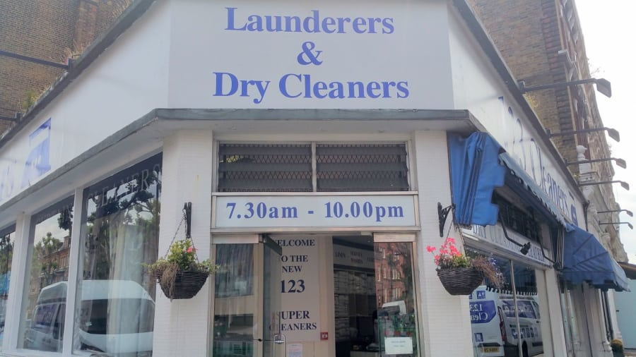 123 Cleaners Shop open seven days a week including Sunday