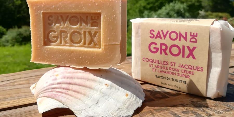 Savon à la poudre ultra fine de coquilles St Jacques et argile rose