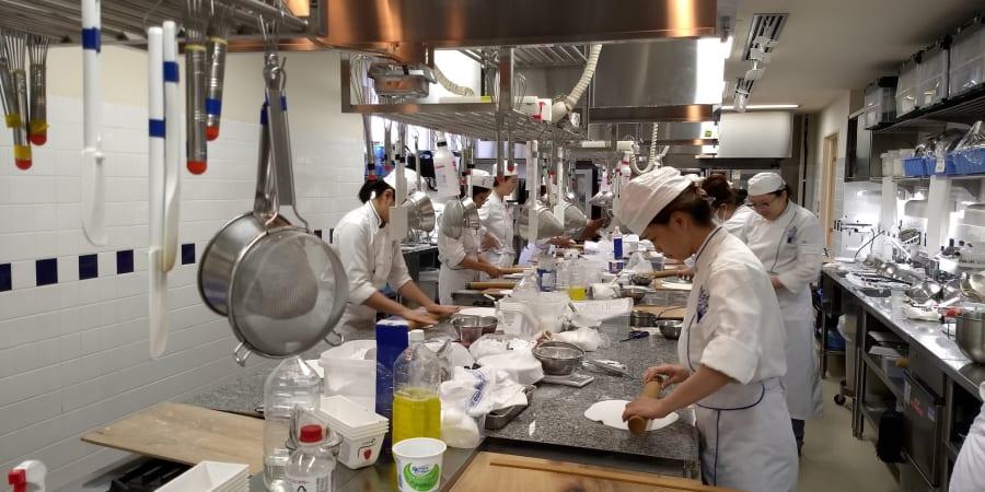 Interprétariat JP < > EN formation en pâtisserie, boulangerie et cuisine