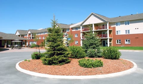 Chartwell Meadowbrook Retirement Community
