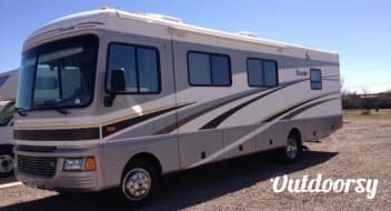 Fleetwood Bounder 32' ($150 - $130 per day) w/ Slideout  DISCOUNTED