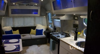 Silver Tiny House - Airstream International
