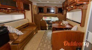 Large Group Luxury- Griffin Greyhawk