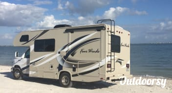 2018 Thor FourWinds motor coach 24F
