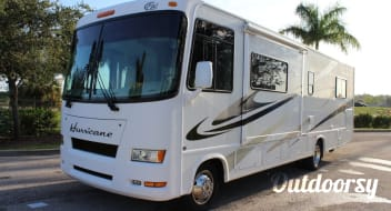 2007 Thor Motor Coach Hurricane