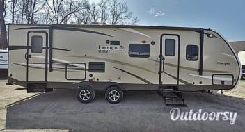 Coachmen Freedom Express - UPMi65