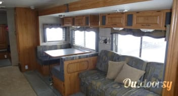 2005 Terry 32-ft Double Bunkhouse, Sleeps 10