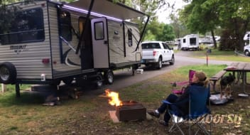 2016 Hideout perfect 2 adults, 2 kids, fully outfitted, sparkling clean, rates are seasonal.
