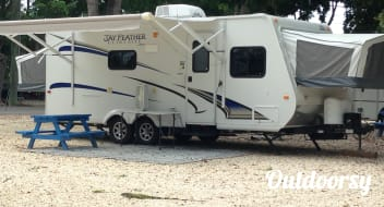 Easy Tow Jayco Jay Feather Ultra Lite