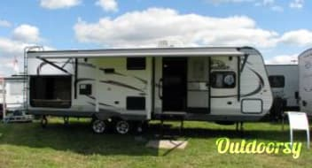 2015 Jayco Jay Flight 28RBDS ($98 to $83.30 per day)  w/Outdoor Kitchen