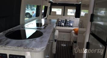 2016 Mercedes-Benz Airstream Interstate Grand Tour