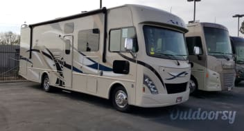 2017 Thor Motor Coach A.C.E -Sleeps (8) WITH -Denver Mattress® Queen Size Bed,Bunk Beds w/Bunk Ladder! *Plus 24/7 Road Care*