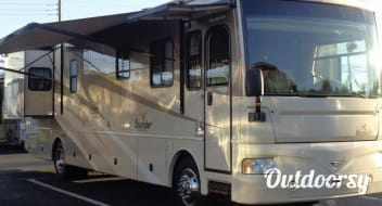 Diesel Pusher AIR RIDE - CAREREE COACH RENTAL - We handle it all! - Stored Indoors!