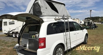 2010 Chrysler Town & Country CamperVan