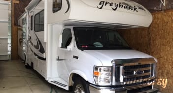 2010 Jayco Greyhawk 31 FS Bunkhouse - Sleeps 10 - unlimited generator and generous miles